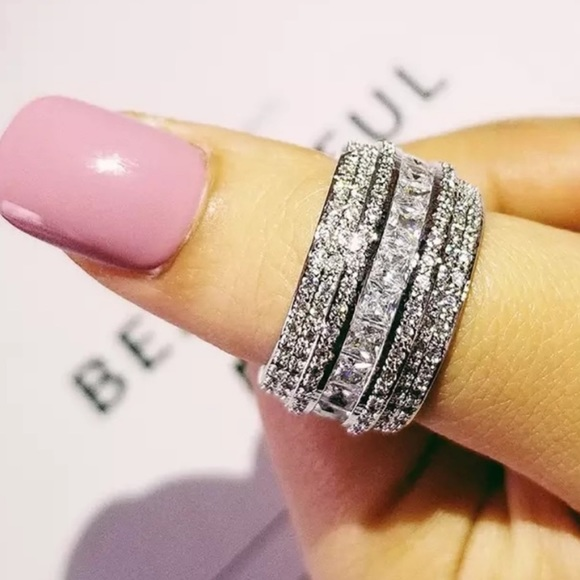 925 STERLING SILVER DIAMOND BAND RING